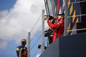 """Leclerc ismét """"csodát"""" tett a Ferrarival, Vettel sokat küszködött: csak részben van minek örülni"""