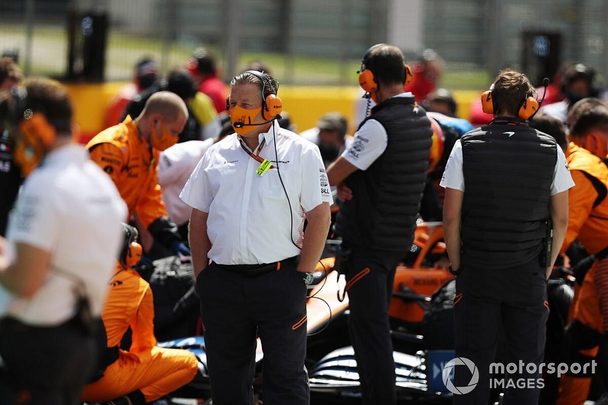 """Sainz: """"Zak Brown, McLaren'ın geri dönüşünde kilit rol oynadı"""""""