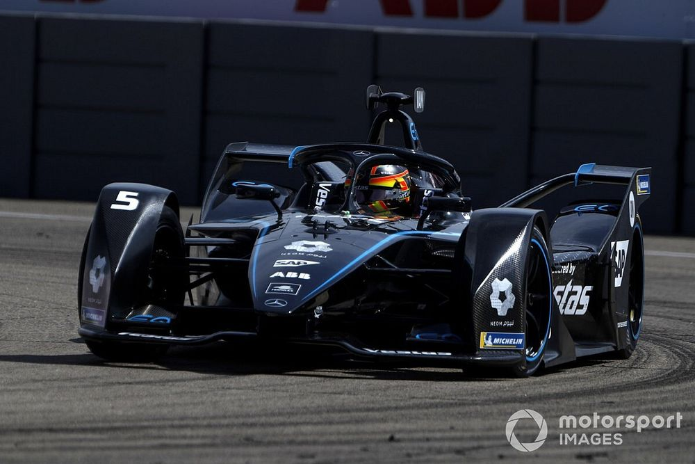 Berlin E-Prix: Sezonun son pole pozisyonu Vandoorne'un oldu!