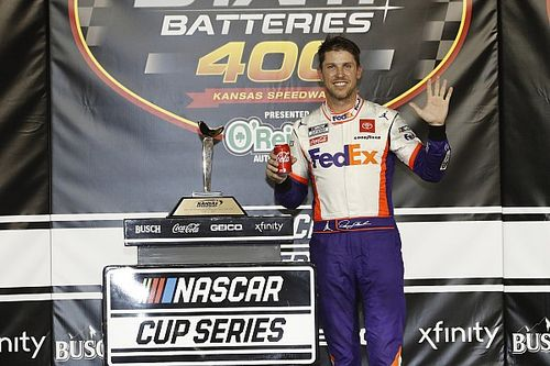 Denny Hamlin fends off Keselowski for Kansas Cup win