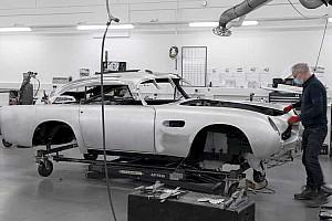 Újabb 25 darabot gyártanak a 64-es Goldfingerben látott Aston Martin DB5-ből