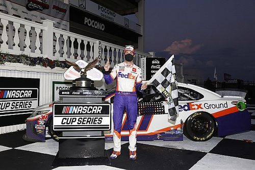Denny Hamlin beats Harvick, and the darkness for Pocono win