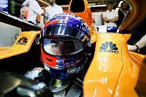 """Alonso, sonrojado ante tanto homenaje: """"Quisiera ser invisible hasta el lunes"""""""