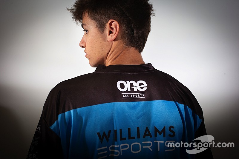 Álvaro Carretón, el joven piloto español de Williams en la F1 eSports