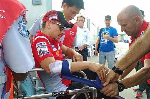 """Lorenzo: """"Es poco probable que me suba a la moto mañana"""""""