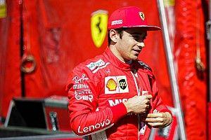Képek az utolsó F1-es tesztről Abu Dhabiból: Leclerc pályán a Ferrarival!