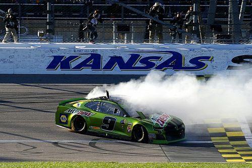 """NASCAR: Chase Elliott gewinnt Kansas - """"Round of 8"""" der Playoffs steht"""