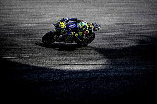 Rossi odkłada decyzję