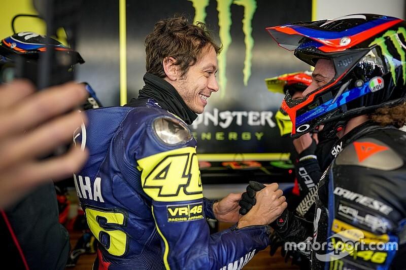 Video: Valentino Rossi torna ad allenarsi sulla moto da cross