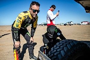 Del podio del Dakar, a entrevistador en sus ratos libres