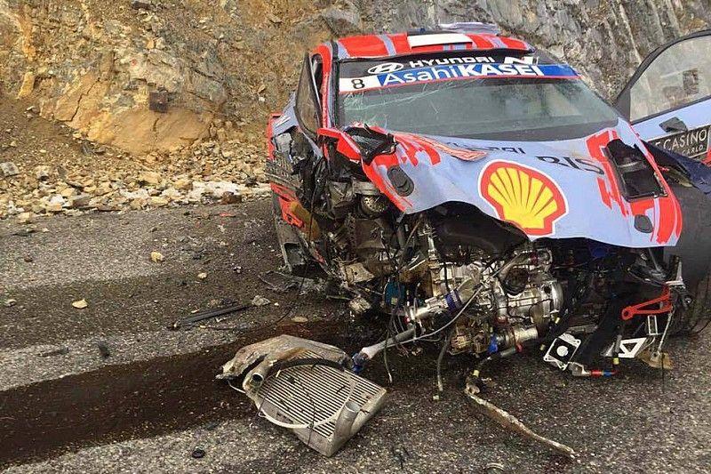 Tanak rozbił i20 WRC (video)
