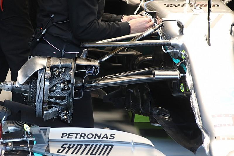 Хитрую систему руления Mercedes запретят. Через год