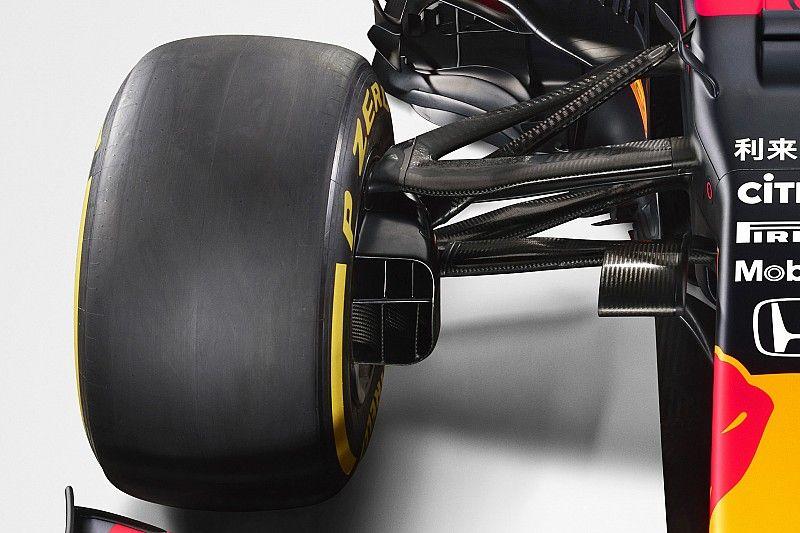 Red Bull RB16: bocca chiusa, muso estremo e niente multilink