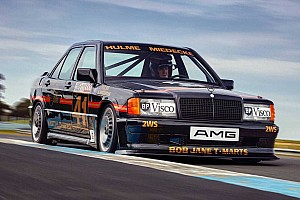 Egészen lenyűgözőre sikerült ez a restaurált Mercedes-Benz 190 E 2.3 16