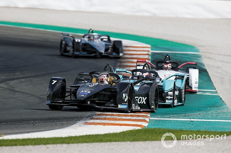 Formula E drivers expecting easier overtaking in 2019/20