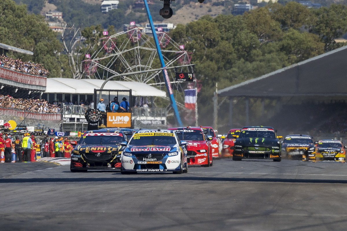 Supercars nearing new Fox Sports deal
