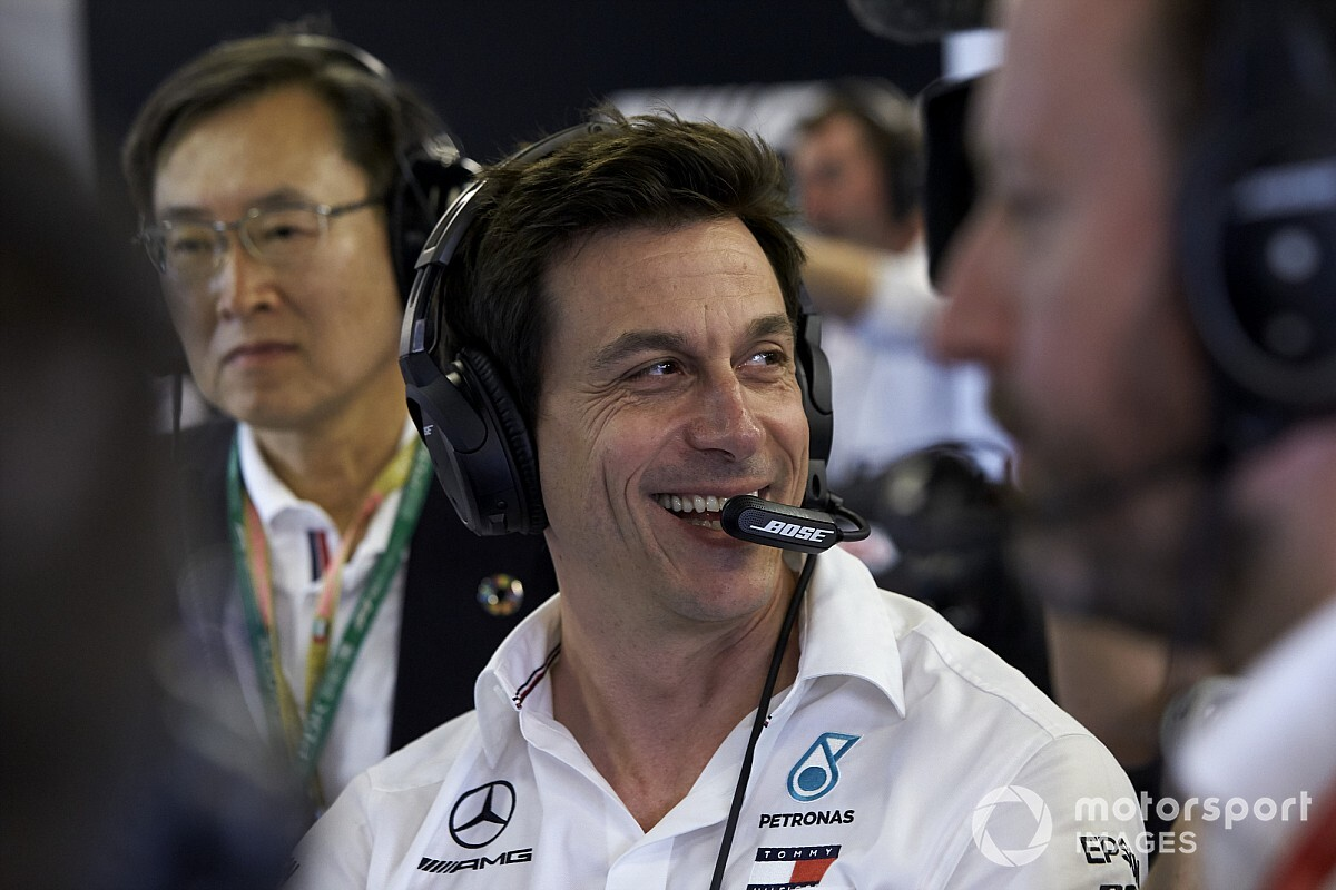 "Wolff ""cannot imagine"" a better place than Mercedes"
