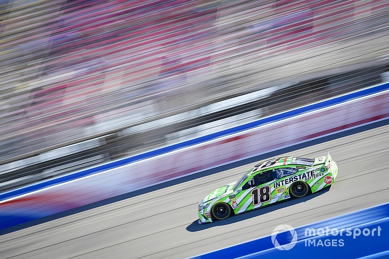 Kyle Busch dominates second stage at Fontana