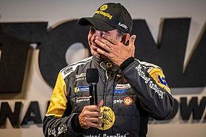 Christian Fittipaldi se emociona em homenagem surpresa em Daytona