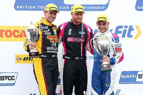 Brands Hatch BTCC: Cook wins opener from 10th
