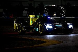 Rolex 24, Hour 16: Alonso leads after sensational wet stints
