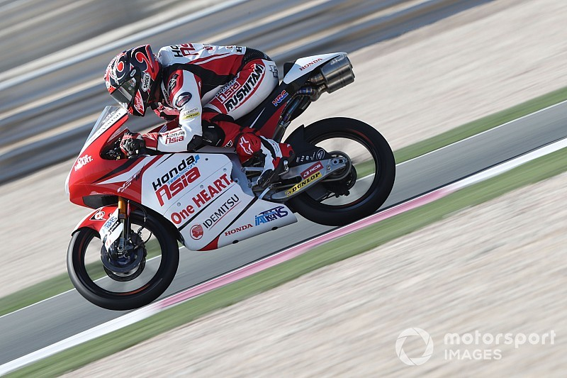 Toba beffa Dalla Porta in Qatar: è il primo giapponese a vincere in Moto3!