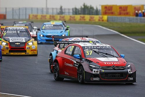 Hungary WTCC: Lopez leads Citroen 1-2 in thrilling main race