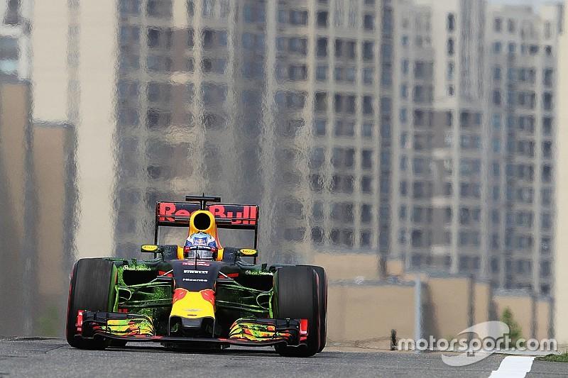 "Ricciardo admits Red Bull car ""a handful"""