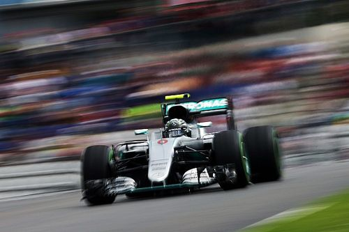 Mercedes: Times tumble on opening day in Austria