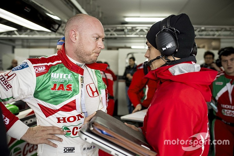 Huff demoted to back of the grid for first Nurburgring race