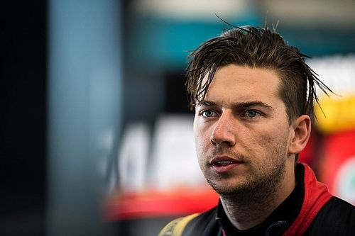 Bathurst 1000: Mostert beats Lowndes in opening practice