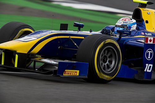 F2 Silverstone: Latifi wint, imponerende inhaalrace De Vries