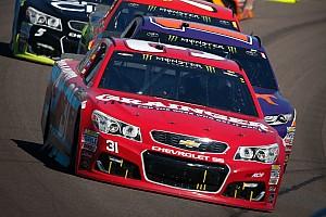 Monster Energy NASCAR Cup Yarış raporu Phoenix'te zaferin sahibi Ryan Newman oldu