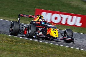 """Formule Renault Nieuws Verschoor stelt teleur op de Nürburgring: """"Er klopt iets niet"""""""
