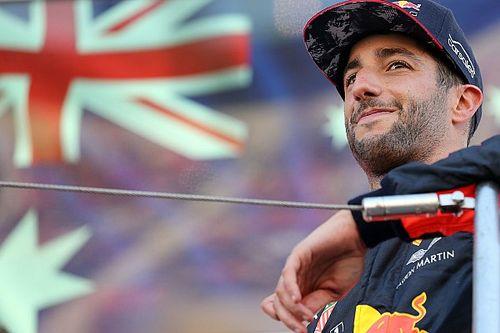 "Verstappen ancora davanti? Ricciardo canta Ligabue: ""Niente paura"""