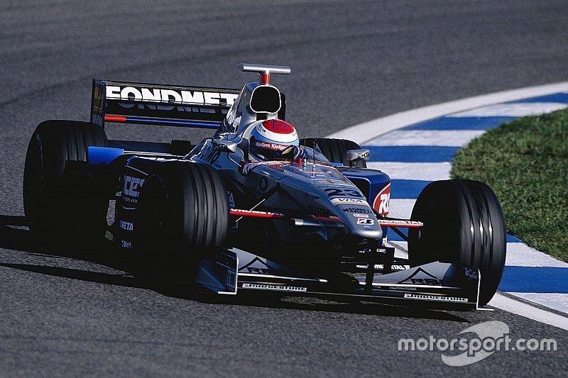 Бывший гонщик Формулы 1 Эстебан Туэро попал в аварию на мотоцикле