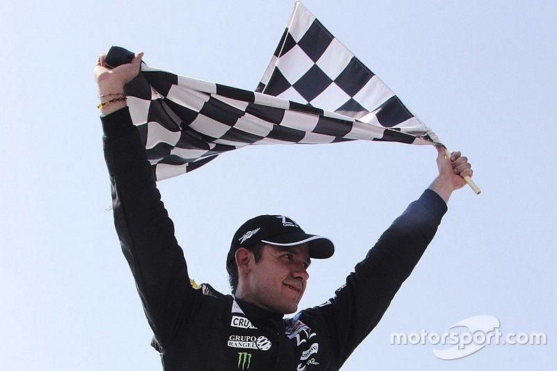 Rovelo gana fecha inaugural de NASCAR México