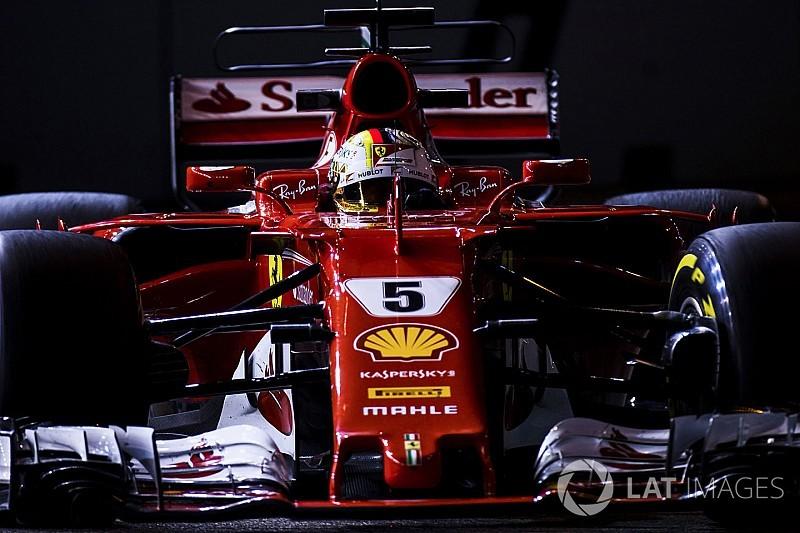 Vettel in pole nella notte di Singapore davanti alle Red Bull!