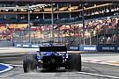 Após acidente, Ericsson troca câmbio e sofre punição no grid