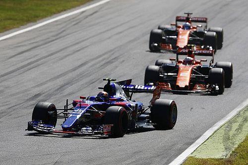 """Toro Rosso's Honda """"gamble"""" puts team at risk - Villeneuve"""
