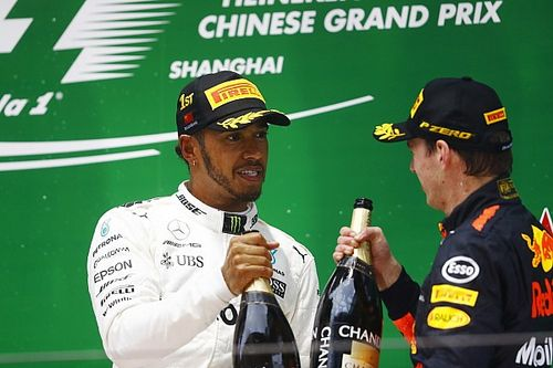 """Hamilton: """"Max Verstappen heeft ongelooflijke carrière voor zich"""""""