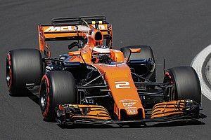 F1-test Hongarije: Vandoorne snelste, motorprobleem Verstappen