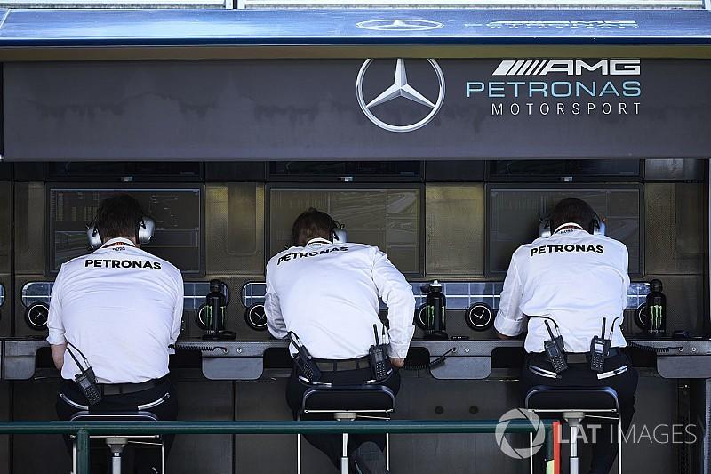 Вольф рассказал, как в Mercedes обсуждали обмен Боттаса и Хэмилтона