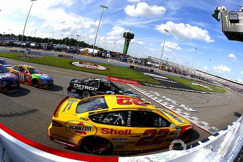 В NASCAR появились «победы с обременением». Что происходит?