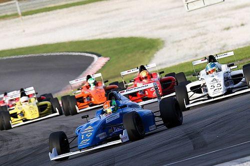В гонке Ф4 на «Сепанге» до финиша не доехала ни одна машина