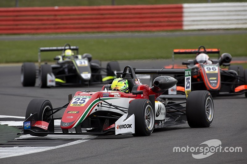 Mick Schumacher se fue sin puntos debido a percance