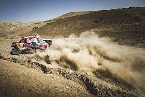 Al Attiyah asalta el liderato en Marruecos y la mecánica castiga a Sainz