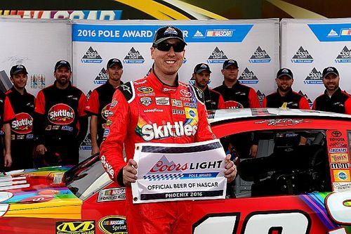 Kyle Busch earns Phoenix pole with Gibbs going 1-2-3