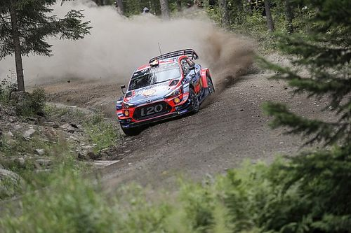 Neuville sufre un accidente en un test de Hyundai