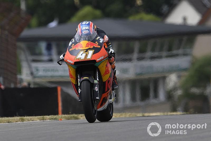 Moto2, Sachsenring, Libere 3: Binder si conferma in vetta, Marquez fuori dal Q2